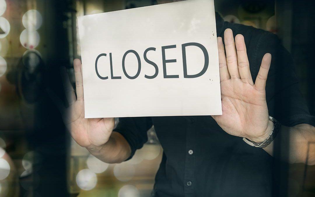 Betriebsausfall, -schließung oder –unterbrechung: Wer leistet wann?